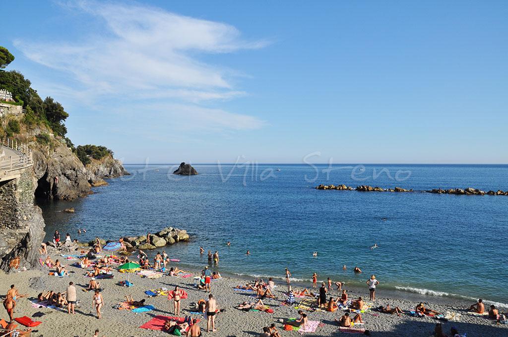 Hotel villa steno la spiaggia delle cinque terre monterosso al mare cinque terre italia - Cinque terre dove fare il bagno ...